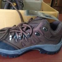 harga sepatu gunung REI original Tokopedia.com