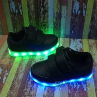 Sepatu Anak Lampu LED Bisa di Charge