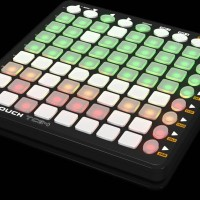Behringer CMD Touch TC64 DJ Controller - kompetitor Novation Launchpad