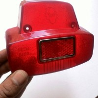 STOPLAMP/LAMPU BELAKANG VESPA SUPER 66-69 NEW IMPORT