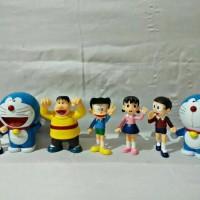 mainan figure doraemon nobita shizuka giant suneo