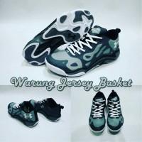 Sepatu Basket Anatomix Spawn low Grey Replika