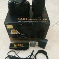 Nikon D90 + Lensa KIT 18-105 mm