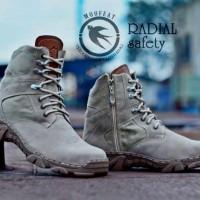 harga ORIGINAL Sepatu Moofeat Delta Safety Boots Radial-1 Cream Tokopedia.com