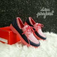 docmart sepatu cewek motif sarung kotak