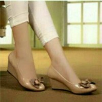 Sepatu Kantor Tinggi Pita Krem OFFICE HIGH FASHION SHOES CREAM
