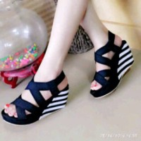Sandal Gladiator Tali Strip Hitam GLADIATOR WEDGES STRIP BLACK
