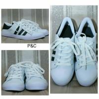 Sepatu Kets Adidas Cewek Casual / Sepatu Warna Putih List Hitam