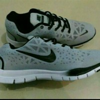 Sepatu Cowok Nike Free Running Import.