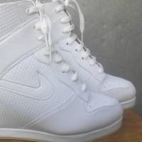 Sneaker Wedges White Nike Elegan