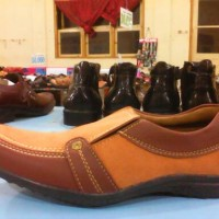 Sepatu slop Ocela