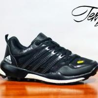 harga Sepatu Adidas Terrex Boost Black Grey Casual Pria Sporty Tokopedia.com
