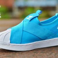 Sepatu casual sneakers sport trendy wanita terkini adidas ss slip on c0e0c7306f