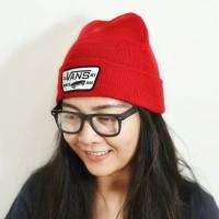 harga topi kupluk vans beanie hat off the wall red Tokopedia.com