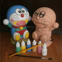 Jual Mainan Edukatif Mewarnai Celengan Keramik Doraemon Murah