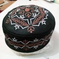 Peci Uje Busa Motif Batik