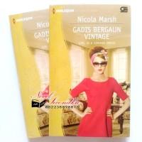 harga Girl in a Vintage Dress - Gadis Bergaun Vintage (Nicola Marsh) Tokopedia.com