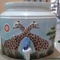 harga Guci Air, Guci keramik, Guci Galon motif jerapah emboss timbul Tokopedia.com