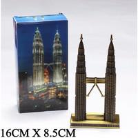Pajangan Miniatur Menara Petronas Twin Tower Towers Kembar Malay A7I5