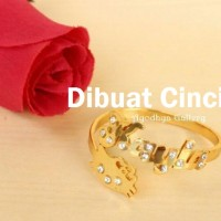 Cincin Nama Hello Kitty Full Permata Lapis Emas