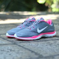 "NIKE FLEX TR 5 WOMEN ""COOL GREY/VIVID PINK"" MADE IN INDONESIA"