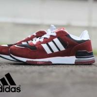sepatu adidas olahraga , jogging , made in vietnam