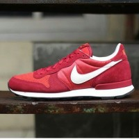 NIKE INTERNATIONALIST ''RED CLY/DEEP CARDINAL/WHITE''