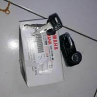 Gantungan Helm Yamaha Rx King Original