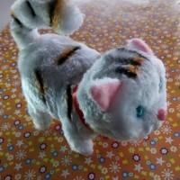 """Boneka Kucing Lucu Bisa Berjalan dan Bersuara """"meong"""""""