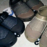 sandal pria crocs yukon woven
