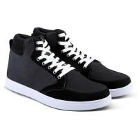 Varka V105 Sepatu Casual Boot Pria untuk santai, jalan, kuliah, kerja