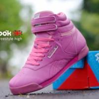 Sepatu reebok classic high women pink,sepatu running/kets wanita