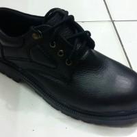 Sepatu Safety WORLD CRUISER 1837
