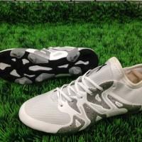 Sepatu Bola Adidas X15 - White Metallic Silver (tapak hitam)