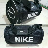 harga tas travelbag NIKE tabung cocok untuk basket futsal gym renang fitnes Tokopedia.com