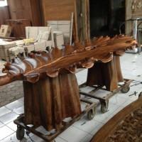 Meja antik (bunga gelombang cinta)