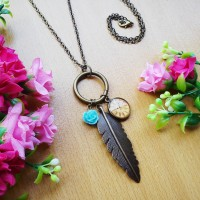 Kalung Vintage Feather