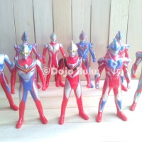 Figure Ultraman Set 9 karakter