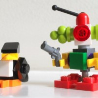 harga Lego Little Pinguin & Mini Joker Robot Part out Set 76035 Tokopedia.com