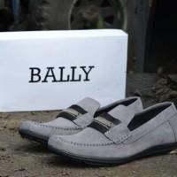 harga Sepatu Slop Pria Bally Mocassin Suede Abu Tokopedia.com