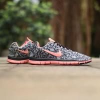 "Sepatu ""Nike Free TR Fit 3 Print Leopard"" (Black / Punch)"