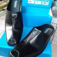 harga Sepatu sandal pria kulit asli Rasheda VL 04 Big Size Tokopedia.com