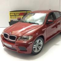 BMW X6 - SKALA 1:18 - BBURAGO (DIECAST-MINIATUR)