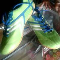 sepatu futsal carvil