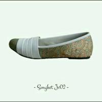 harga Sepatu Wanita Flat Shoes Batik Songket Putih Susu Tokopedia.com