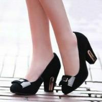 Sepatu Heels hitam permata (S0072)
