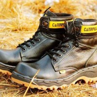 Jual Sepatu Safety, Caterpillar, Boot, Iron Rider, Ujung Besi, Hitam Murah