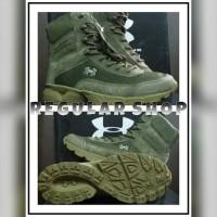 sepatu boot under armour