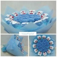 Jual Buket Mawar + Doraemon | Bunga Flanel Murah