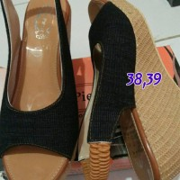harga sendal sepatu wanita wedges hitam merk st.pierre Tokopedia.com